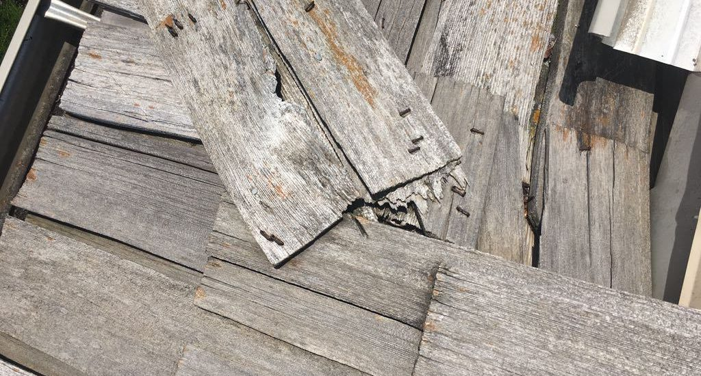 How To Tell a Bad Roofing Job